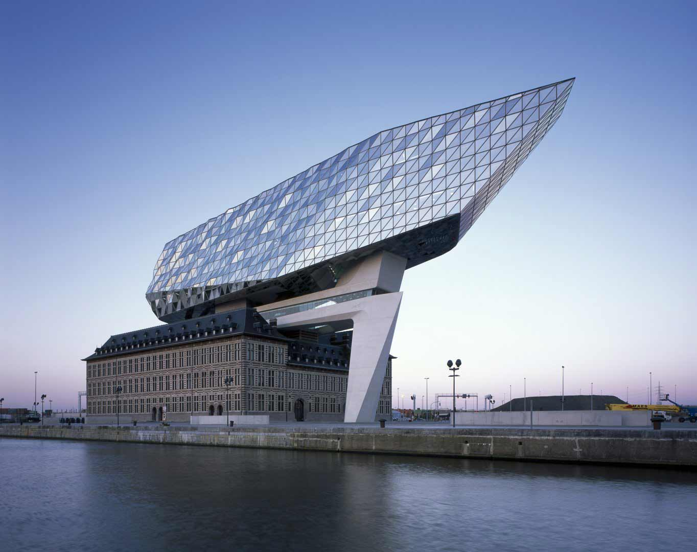 zaha-hadid-port-house
